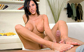 Veronica Rayne Footjob